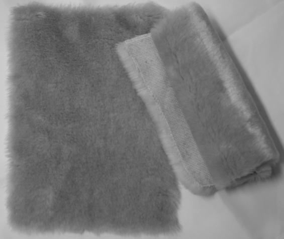 Detail faux fur fabric article beaver color pearl grey